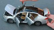 汽车模型开箱,1比18起亚K4,天窗都能打开!