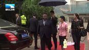 加蓬总统登顶三峡大坝,被授予武汉大学法学名誉博士学位
