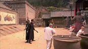 恶人杀入寺院,七小罗汉机智应对!结果坏人被一招制服!坏人:到