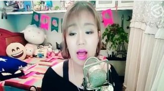 张韶涵经典歌曲《隐形的翅膀》翻唱,曾经风靡校园