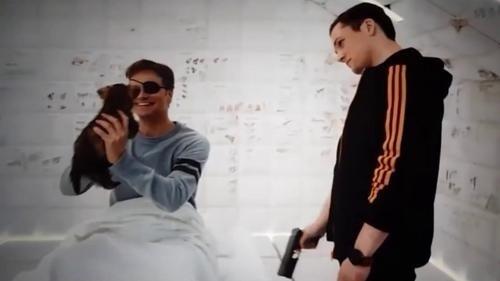 《王牌特工2:黄金圈》片段:塔伦·埃格顿助科林·费斯恢复记忆
