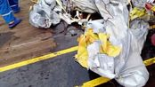 印尼一飞机坠毁:失事水域泛起油污 有乘客随身物品被打捞上岸