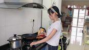 打工妹自己做早餐,五谷养生粥+手抓饼,成本6元家人可以吃到撑!