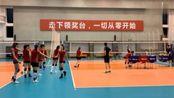 中国女排最新动态 扣球训练声音响亮