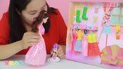 芭比娃娃玩具和小芭比逛街买衣服-智趣玩具-智趣亲子玩具