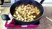 夜宵再吃个小姐姐做的麻婆豆腐,多吃豆制品好,尤其对男性(ˉ﹃ˉ)