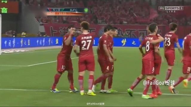 天空体育激情解说:上海上港5-1北京国安 韦世豪武磊各进2球