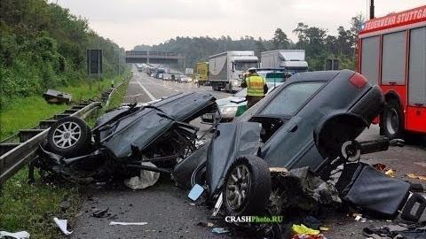 死亡之路:交通事故车祸录像